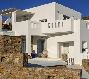 The Sunset Collection luxury villas in Mykonos includes 4 villas with private pools and sea view.